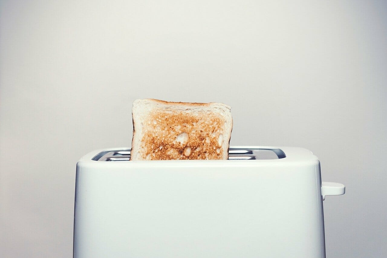 Conventional Toaster vs Toaster Ovens