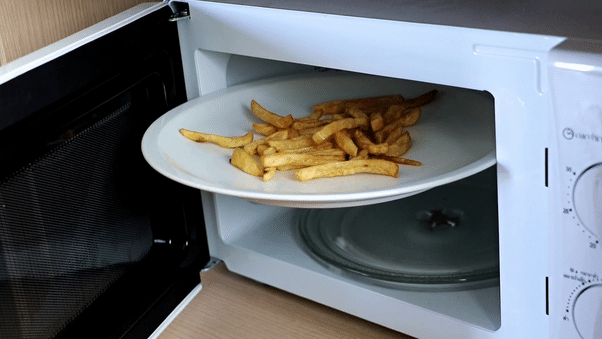 How To Reheat McDonald Fries in Microwave
